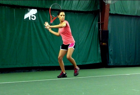 Stacey Evans' preparation on forehand - the loading phase