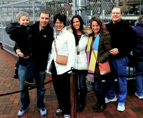 The Evans and Frazer families in Seattle for Christmas 2013