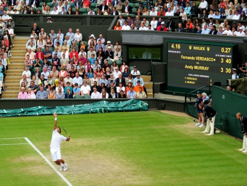 Fernando Verdasco serving in the 5 setter against Andy Murray in 2013