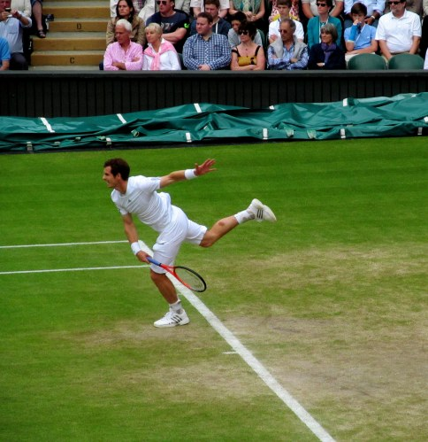 Andy Murray serving in the Verdasco quarter which he won in 5 sets