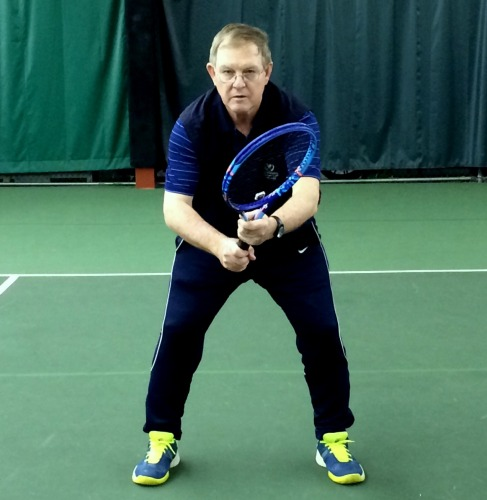 Des demonstrating an active ready position